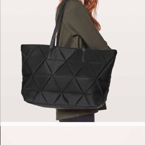 Lululemon quilted tote bag
